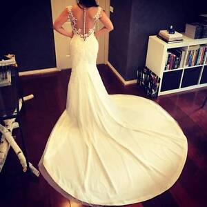 Brand new custom made Leah da Gloria inspired wedding dress Southbank Melbourne City Preview