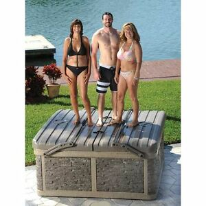 Hard top hot tub with built in steps lifter and towel holder