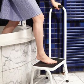 Nearly new Safety Step Stool only for£ 15 -Easy life brand ( online price is £19.99+£4.99)