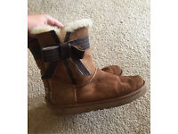 Size 8.5 ugg boots