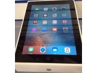 iPad 2 Wifi and 3G (takes Sim) Unlocked Boxed Fully Working Can Deliver