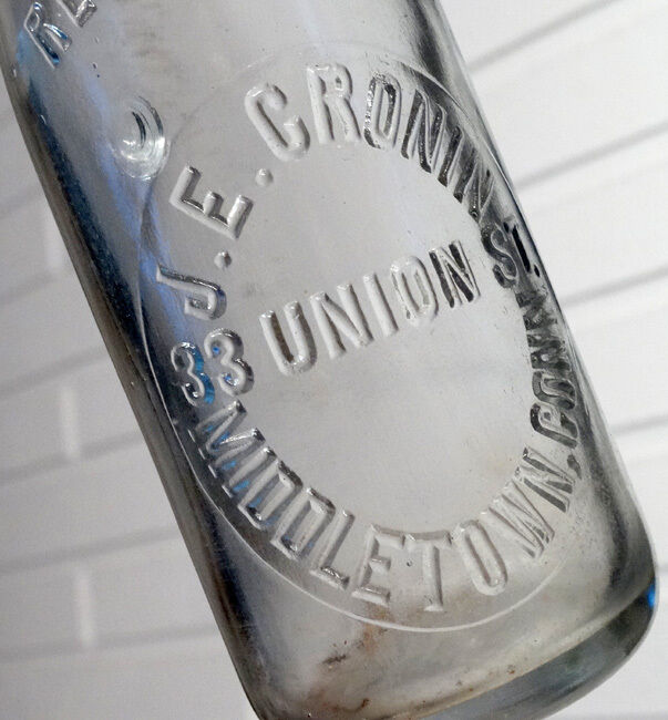 ANTIQUE Vintage J E CRONIN Glass Blob-Top SODA or BEER Bottle / MIDDLETOWN, CT