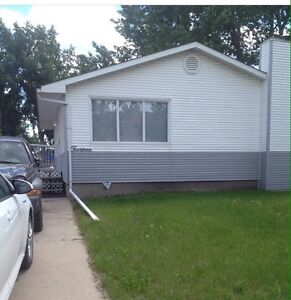 2 bedroom + den and 1.5 baths - Full house for rent $1750