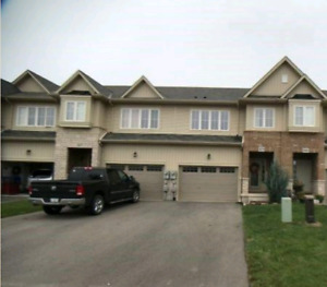 Beamsville luxury freehold townhouse no road fee