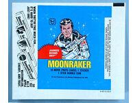JAMES BOND MOONRAKER    BADGE 44 MM   RETRO 70S PULP BUBBLEGUM