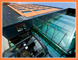 * (Bolton-BL1) Modern & Flexible Serviced Office Space For Rent-Let!‎