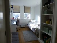 Ensuite room short term rent (from 24/3 to 22/4)