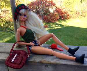 Vintage Fully Jointed Barbie With Flat Feet