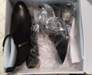 *BRAND NEW w/tag**Women's Waterproof Boots black,size8 -spadina