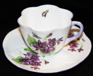 SHELLEY TEA CUP & SAUCER - VIOLETS