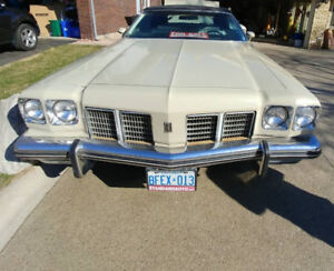 '75 Oldsmobile - Opportunity for vintage car enthusiasts!