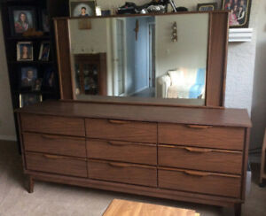 Dresser With Mirror For Sale.