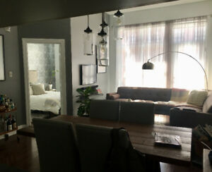 Beautiful modern 3 1/2 condo for rent - Mile-ex/Little Italy