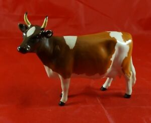 BESWICK Farm Animal Ayrshire Cow Ch. Ickham Bessie Model 1350