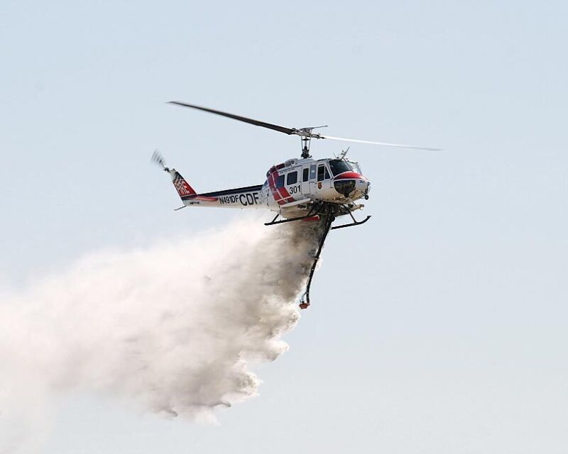 UH-1 HUEY FIREFIGHTER HELICOPTER WATER DROP 11x14 SILVER HALIDE PHOTO PRINT