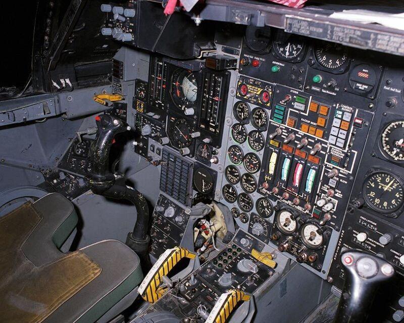 F-111 AARDVARK COCKPIT 8x10 SILVER HALIDE PHOTO PRINT