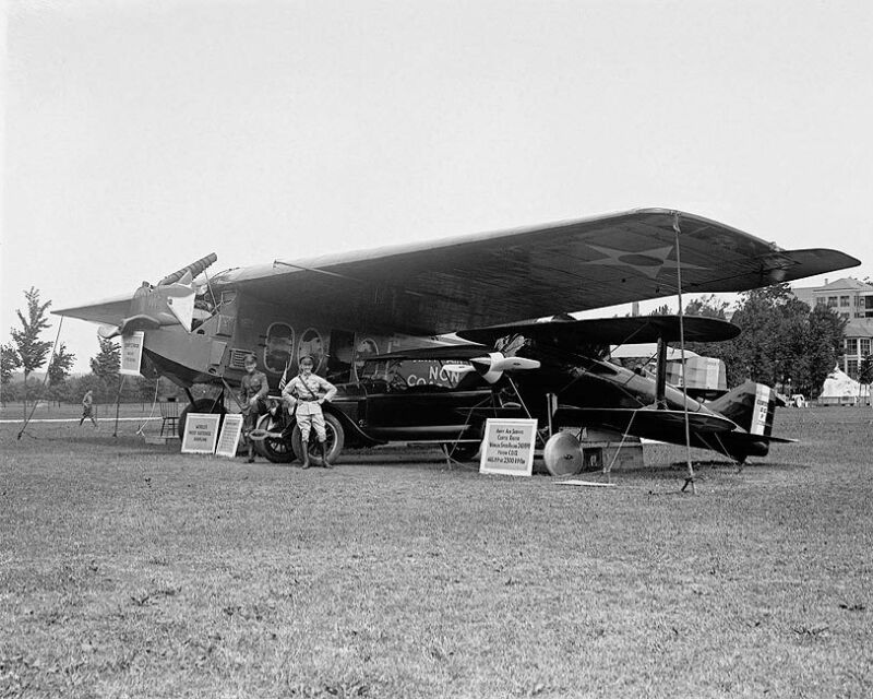 PILOTS OAKLEY KELLY AND JOHN MACREADY 11x14 SILVER HALIDE PHOTO PRINT