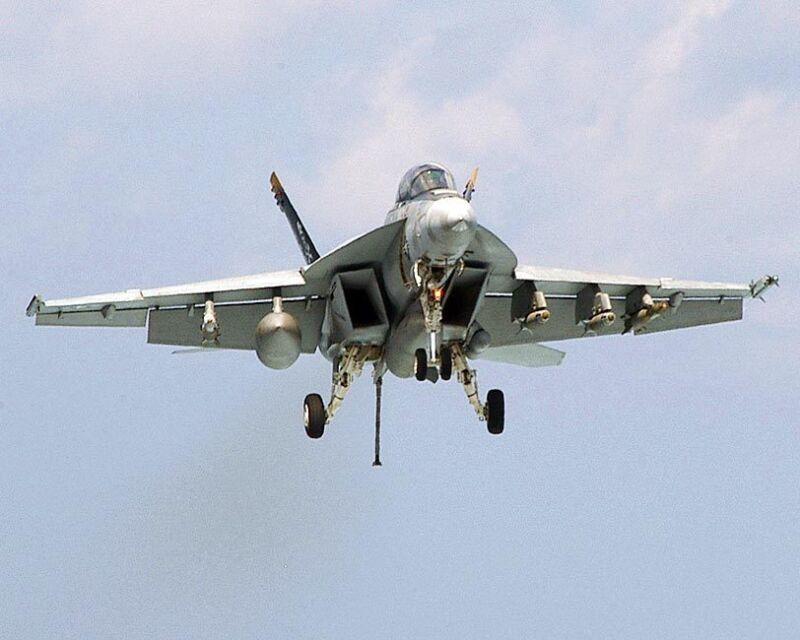 F/A-18F SUPER HORNET LANDING 8x10 SILVER HALIDE PHOTO PRINT