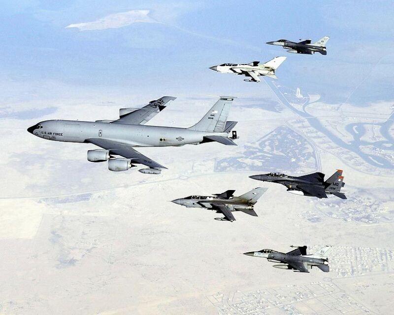 KC-135 STRATOTANKER & AIRCRAFT FORMATION 8x10 SILVER HALIDE PHOTO PRINT