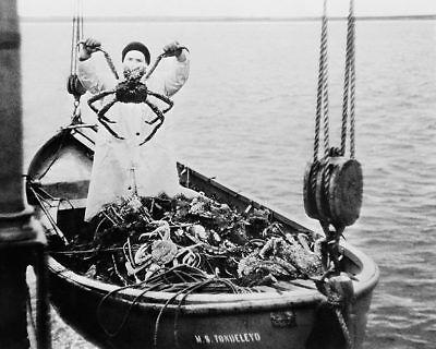 KING CRAB & FISHERMAN BERING SEA WWII ERA 11x14 SILVER HALIDE PHOTO -