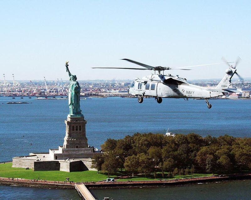 MH-60S KNIGHTHAWK & STATUE OF LIBERTY 11x14 SILVER HALIDE PHOTO PRINT