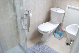 'You'll be in love with the shape of this room' Ensuite, Double, Streatham