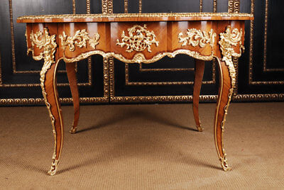 Meisterhafter French Round Salon Table IN Style of The Louis XV