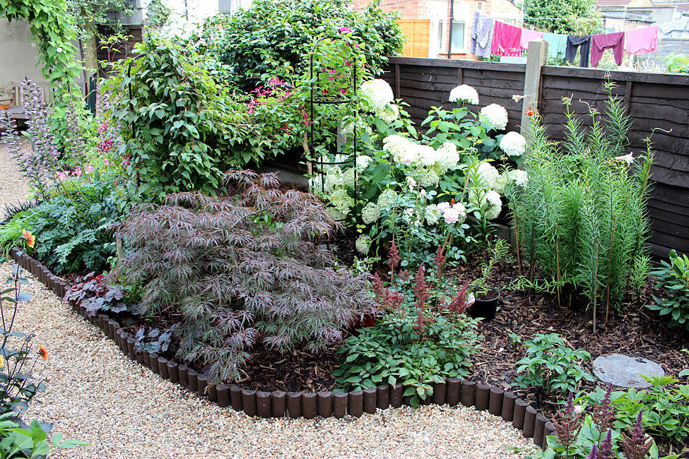 Complete garden services rubbish clearance in for Complete garden services