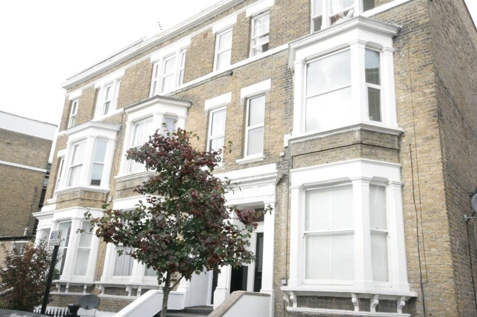 Beautiful Oval 2 Bed Flat On The Highly Desirable Offley Road