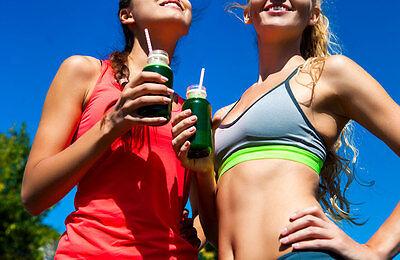 Grüne Smoothies machen fit und sind gesund. (© Thinkstock via The Digitale)