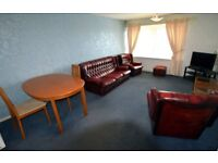 Spacious 2 bedroom Flat minutes from ARI and N Anderson Drive