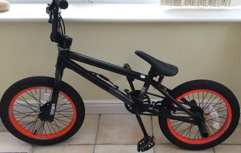 16 inch bmx bike in black. LIKE NEW. EXCELLENT CONDITION | in Old St ...