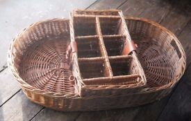 Wicker basket/gift hamper with bottle/food sections
