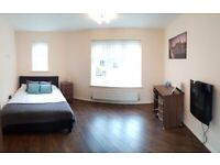 ⭐️large double room ⭐available NOW! B71