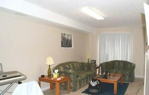 Beautiful 5-bed Apts. - Wifi & AC Included! CALL TODAY! Kitchener / Waterloo Kitchener Area image 2
