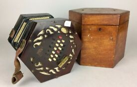 -LACHENAL & Co.- ANTIQUE 24-KEY 48-BUTTON ROSEWOOD CONCERTINA MAHOGANY CASE BOX