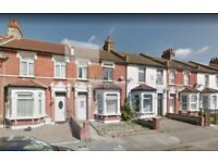 4 Bedroom House to let in Mortlake Road Ilford --- Part Dss Welcome