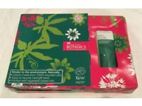 LUXURY PAMPER BATH GIFT SET - BOOTS THE POWER OF PLANTS BOTANICS BATHING PAMPER PACK - NEW