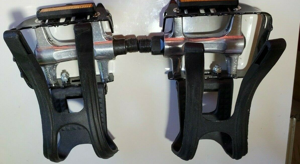 Cycling Deal Pedals with Toe Clips Cages  for Spin Excercise