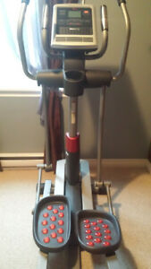 FREEMOTION REAR DRIVE ELLIPTICAL