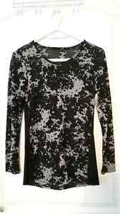 5 Tops for $40.00 - Women's Clothing for Sale Cornwall Ontario image 6