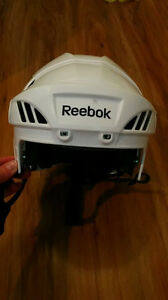 Patins, casque et support