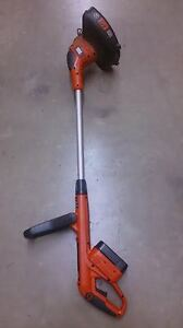 Black and Decker String Weed Trimmer - Electric