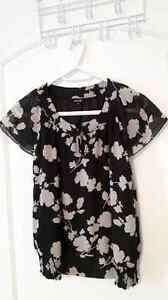 5 Tops for $40.00 - Women's Clothing for Sale Cornwall Ontario image 3