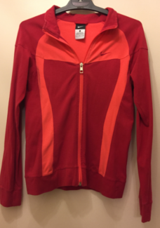 NIKE WOMENS JACKET – BRAND NEW CONDITION