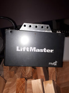 Liftmaster Contractor Series 1/2 HP Chain Drive Garage Opener
