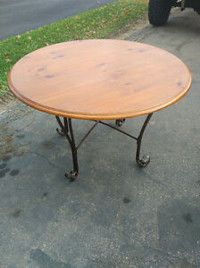 Round 4 Seater Dining Table