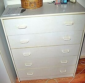 Assembled Chest of 5 Drawers White