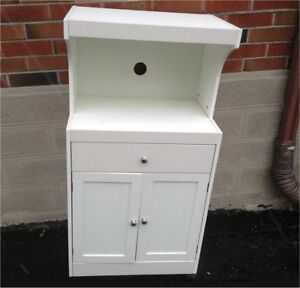 FREE WHITE MICROWAVE STAND