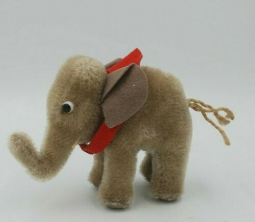 "Vintage Steiff Baby Elephant w/red felt collar, 3.5"" tall, early 1960s"